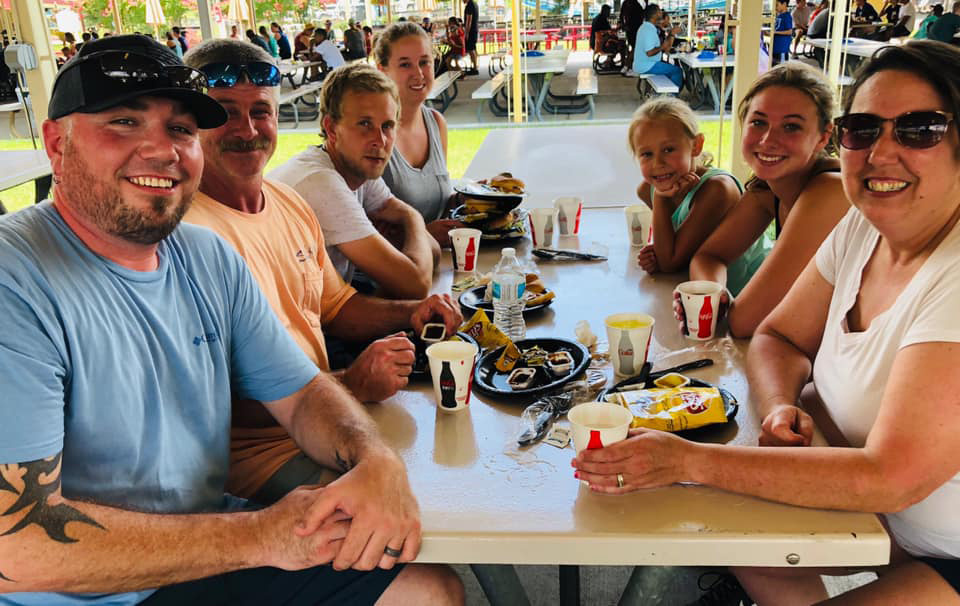 Statesville Breeder Division & Feed Mill employees took their families to Carowinds Amusement Park for Family Day.