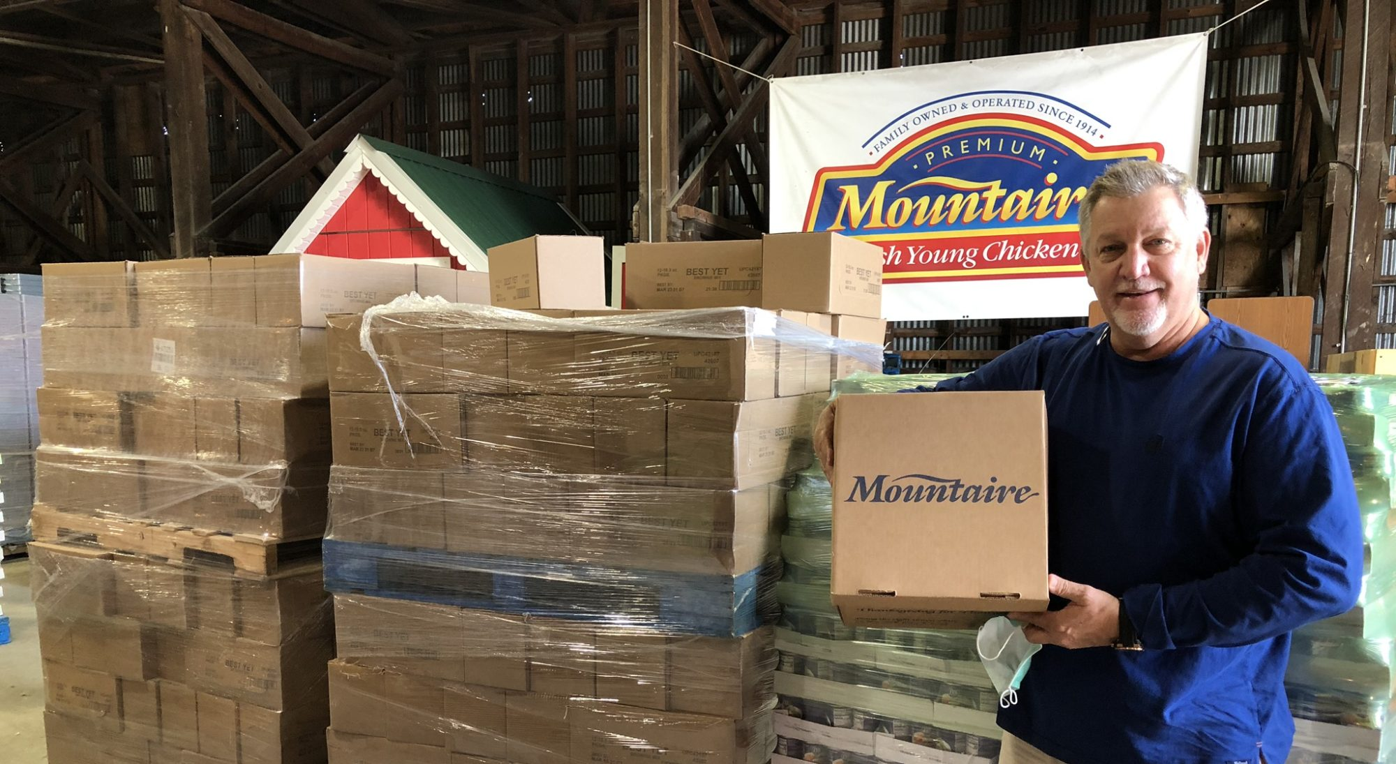 Tim Dukes and Laurel Ministerial Alliance help donate 2,500 meals